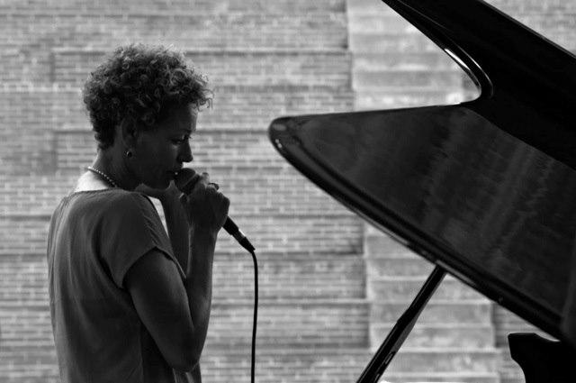 Sloppy Tamborim Quartet feat. Rosalia De Souza (DK/BR)